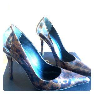 Charles David stiletto heel leopard